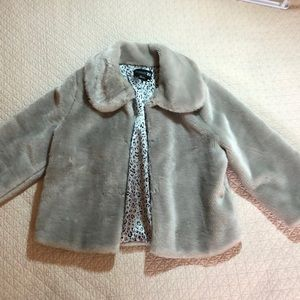 Forever 21 grey faux fur size L animal print lined
